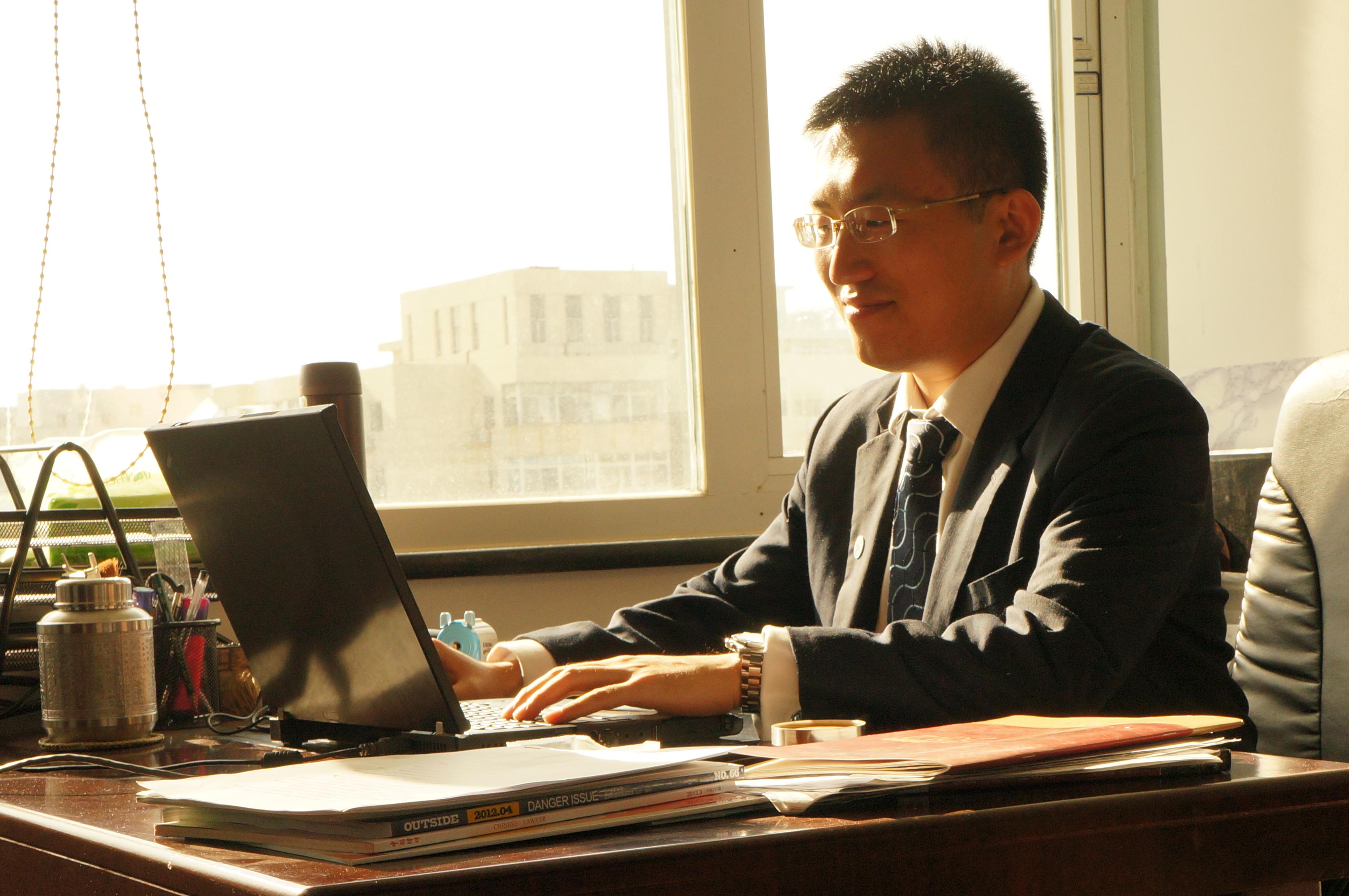法律顾问-李岩